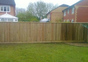 New Close-board fencing